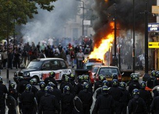 16,000 police officers have been placed on London's streets in order to prevent a fourth night of disturbances