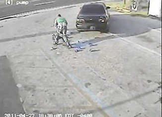 Saggy pants clumsy beer-thief was arrested in Polk County, Florida.