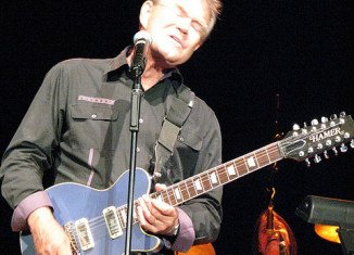 "Glen Campbell released ""Ghost of Canvas"" and he will start ""Glen Campbell Goodbye Tour"""