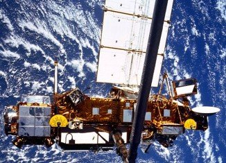 The six-ton Upper Atmosphere Research Satellite will crash to Earth this evening