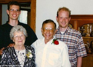 Gordon and Norma Yeager had been married for 72 years and had only one hour separation between them in their passing