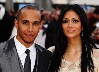 Nicole Scherzinger and F1 racing driver Lewis Hamilton have split up