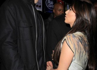 """Kris Humphries sues Kim Kardashian for $10m and referred to her as a """"fat ass"""""""
