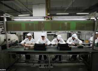 A former Apple executive claimed that the company has had knowledge of labour abuses in some factories for four years