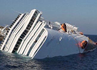 A new amateur video has emerged showing the crew of the Costa Concordia cruise ship reassuring passengers nothing was wrong, after the vessel had begun taking in water