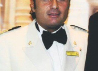 """Francesco Schettino had been drinking """"with a beautiful woman"""" at the ship's bar before he sailed into disaster"""