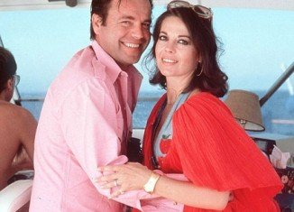 Los Angeles authorities said yesterday that no new evidence has been uncovered in the death of Natalie Wood that would point to foul play