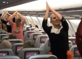 Passengers aboard a Finnair flight from Helsinki to New Delhi were pleasantly surprised when the aircraft' staff treated them with a Bollywood-style dance to celebrate India's 63rd Republic Day