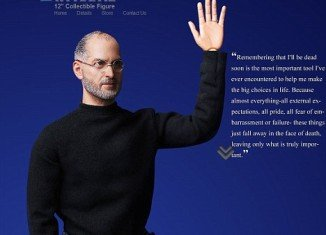 """The """"collectible figure"""" is 1:6 scale and wears Steve Jobs' trademark poloneck, jeans and glasses"""