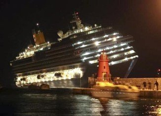 The luxury Costa Concordia cruise ship hit a sandbar on Friday evening near the island of Giglio and listed about 20 degrees