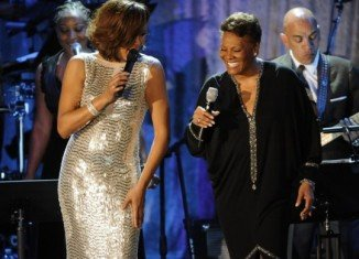 "Dionne Warwick said she felt her cousin Whitney Houston ""had everything in the world to live for"""