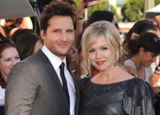 Peter Facinelli has filed divorce papers on the same day a new interview was published with Jennie Garth saying she never wanted to split up
