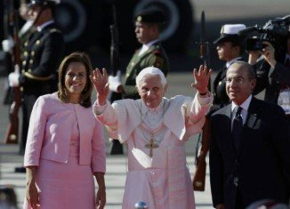 Pope Benedict XVI was welcomed by the Mexican President Felipe Calderon