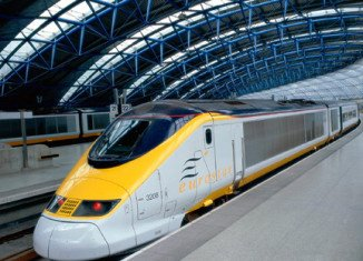 Thousands of travelers between London and Paris have been affected after Eurostar services were delayed by an overhead power cable fault in France