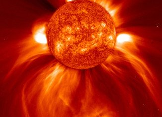 US weather specialists warn that a strong solar storm is expected to hit Earth shortly and it could disrupt power grids, satellite navigation and plane routes