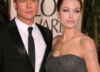 A representative for Angelina Jolie and Brad Pitt confirmed they are set to wed