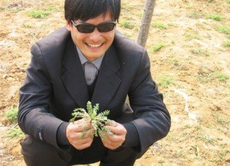 Rights activists say Chen Guangcheng slipped out of his home in Dongshigu town in Shandong province on Sunday