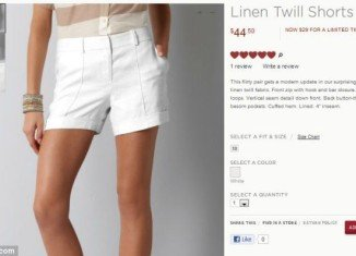 Advertising the brand's Linen Twill Shorts, the model appears to have a jarring thumb popping straight out of her wrist, with the rest of her hand in the front pocket