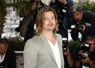 Brad Pitt has revealed that despite the recent announcement of his engagement to Angelina Jolie they have not set a date yet