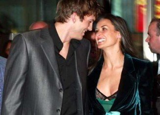 Reports are saying that Demi Moore and Ashton Kutcher are still very much in love and recently had an emotional reunion at Rabbi Yehuda Berg's birthday party