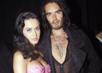 """Russell Brand sent Katy Perry a long email admitting that he """"gave up"""" on their marriage too soon"""