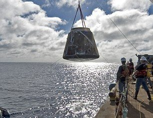 SpaceX Dragon cargo capsule has splashed down in the ocean off the California coast
