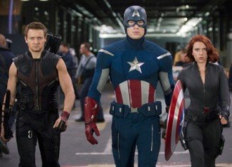 Superhero movie The Avengers has broken the record for the biggest US opening weekend, taking $200 million