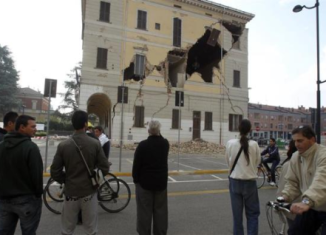 The 6-magnitude earthquake that hit northern Italy this morning has killed at least six people and caused serious damage to buildings in several towns