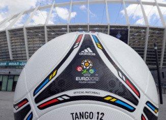 "Ukraine denounces a threatened EU boycott of next month's Euro 2012 football championship as ""destructive"""