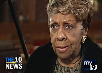 Cissy Houston is cashing in on Whitney Houston's tragic death, that's what some family members think of her plans to write a tell-all book