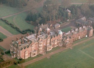 Queen Elizabeth II is to give Prince William and his wife one of the cottages on her beloved Sandringham estate to mark his 30th birthday