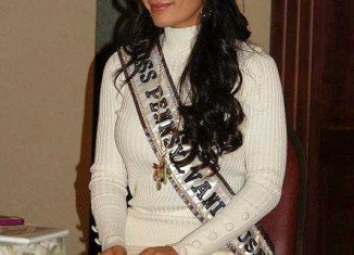 Sheena Monnin, this year Miss Pennsylvania, has sensationally resigned from her position, claiming that the weekend's Miss USA 2012 pageant was rigged