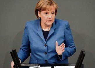 Angela Merkel says Jewish and Muslim communities should be able to continue the practice of circumcision