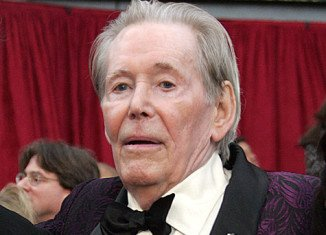 Peter O'Toole has announced he is retiring from the stage and screen at the age of 79