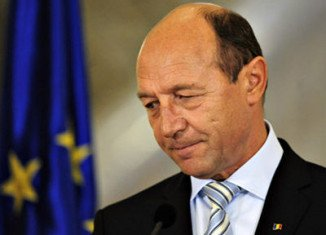 Romanian MPs have voted with a large majority to impeach the country's president, Traian Basescu
