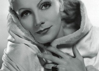 An extraordinary collection of items belonging to Greta Garbo is to go under the hammer at Julien's Auctions in December