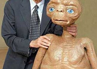 Carlo Rambaldi, the renowned Italian special effects artist who created E.T. the Extra Terrestrial, has died aged 86 after a long illness
