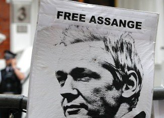 """Ecuador has accused the UK of making a """"threat"""" to enter its embassy in London to arrest WikiLeaks founder Julian Assange"""
