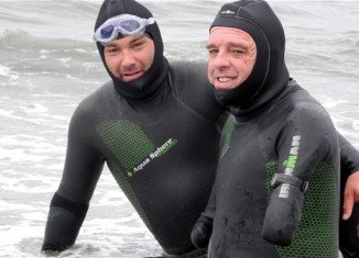 Phillipe Croizon, who lost all his limbs in an electrocution accident, has completed a swim to link five continents