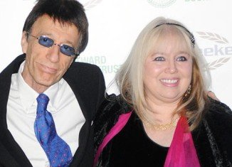 Robin Gibb refused to have scans that could have detected his fatal tumours before they developed, so he could go on a world tour