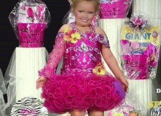 Honey Boo Boo at Georgia's Miss Sparkle and Shine Pageant