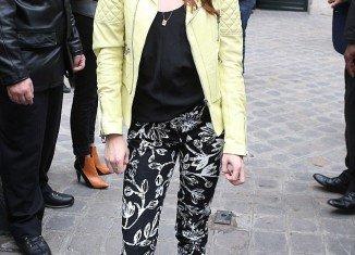 Kristen Stewart was in good spirits as she arrived for Balenciaga ready-to-wear show at Paris Fashion Week