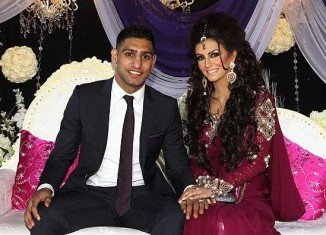 Amir Khan has allegedly cheated on his beautiful girlfriend Faryal Makhdoom with two women in the same day