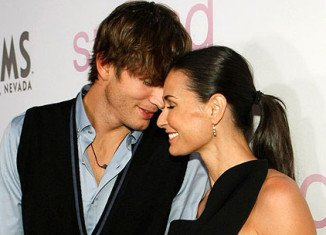 Ashton Kutcher and Demi Moore divorce has reportedly turned nasty