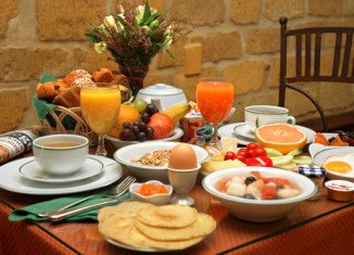 Brain scans show that skipping breakfast makes fatty, high calorie foods appear far more attractive later in the day