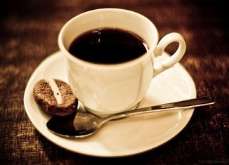 Drinking more than three cups of coffee a day may increase the risk of vision loss and blindness