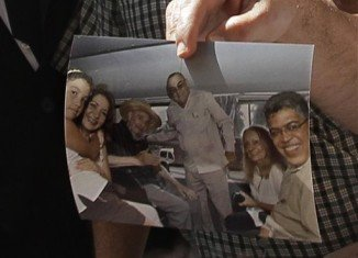 Elias Jaua presented a photo of the encounter with Fidel Castro