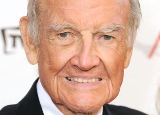 Former Senator George McGovern, who stood as the Democratic presidential candidate against Richard Nixon in 1972, has died, aged 90
