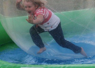Honey Boo Boo ran around in a giant inflatable ball positioned on water