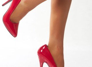 A growing number of women are now cutting off their pinky toes to make wearing heels more comfortable
